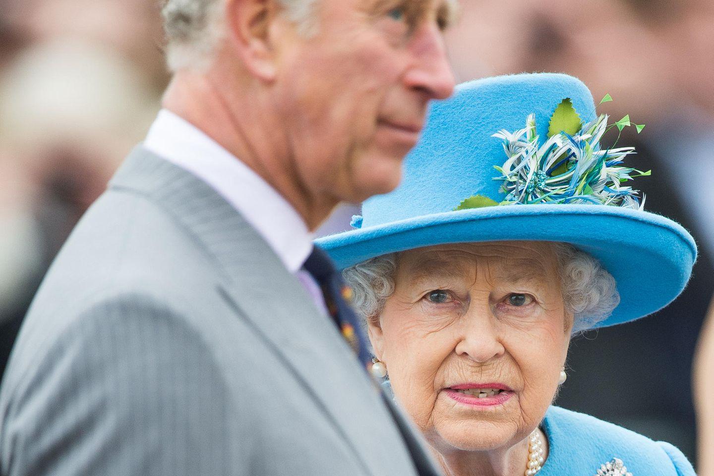 Prinz Charles und Queen Elizabeth