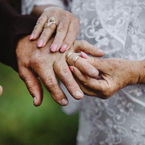 Goldene Hochzeit: Die schönsten Sprüche und Geschenkideen