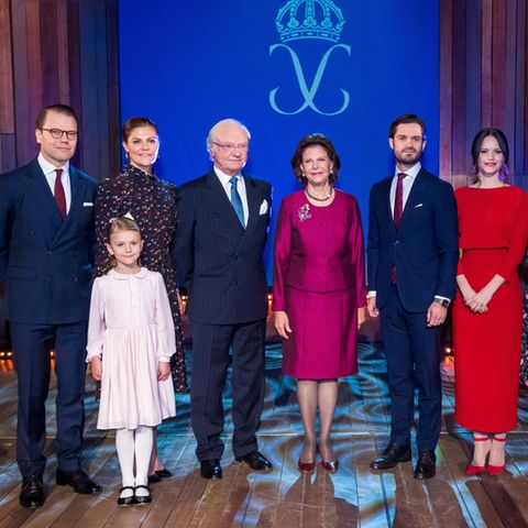 Prinz Daniel,Prinzessin Victoria,Prinzessin Estelle,König Carl Gustaf, Königin Silvia, Prinz Carl Philip, Prinzessin Sofia, Prinzessin Madeleine undChris O´Neill.