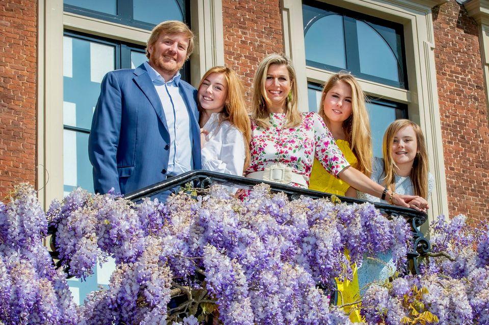 König Willem-Alexander, Prinzessin Alexia, Königin Máxima, Prinzessin Amalia Prinzessin Ariane. (v.l.n.r.)