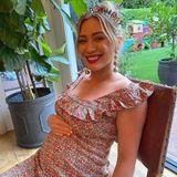 An ihrem 33. Geburtstag strahlte Schauspielerin Hilary Duff mit Krönchen und Babybauch in die Kamera. Ihren nächsten Geburtstag wird sie bereits mitTochter Mae James feiern können. Das dritte Kind von Hilary erblickte am 24. März 2021 das Licht der Welt.