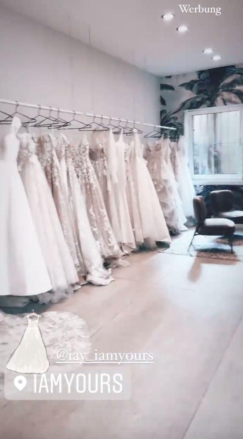 Sarah hat die Brautkleidsuche begonnen