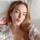 Auf Instagram sendet Lindsay Lohan Ostergrüße an ihre Follower. Dabei zeigt sich die Schauspielerin herrlich natürlich und ganz ohne Make-up. Vor allem ungeschminkt könnte man denken, sie wäre nicht einen Tag gealtert.