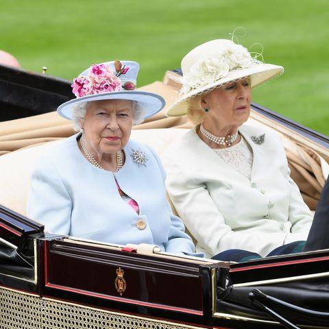Queen Elizabeth und Prinzessin Alexandra