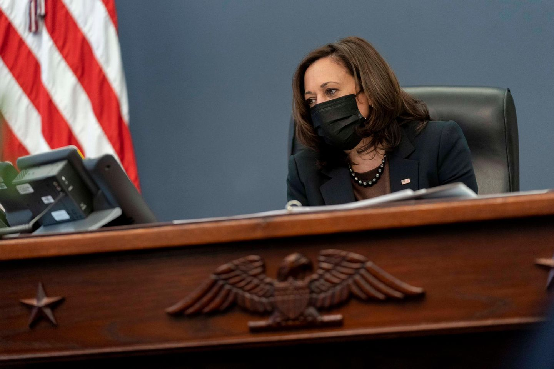 Kamala Harris in ihrem Büro im Weißen Haus.