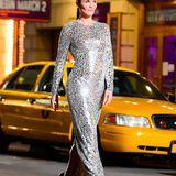 Doch Naomi ist nicht das einzige 90's-Supermodel, das bei der Show zu sehen ist. Auch Helena Christensen ist Teil des prominenten Line-Ups.