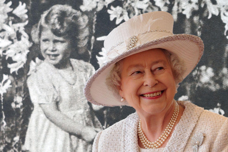 Queen Elizabeth – damals und heute.