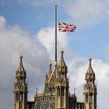 Auch über dem House of Parliament weht der Union Jack auf Halbmast.