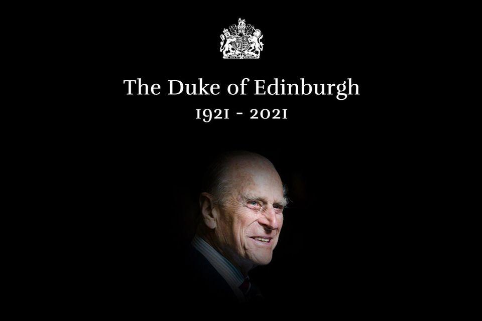 Die Startseite von royal.uk, der Website des Königshauses, wurde nach dem Tod von Prinz Philip in Schwarz gefärbt.
