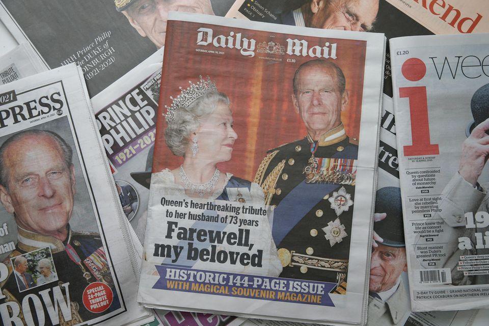 """Zum Tod von Prinz Philip druckt """"Daily Mail"""" die längste Ausgabe in der Geschichte der Zeitung."""