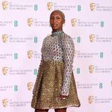 Cynthia Erivo glänzt verspielt in Gold und Silber. Auch ihr BAFTA-Look stammt von Louis Vuitton.