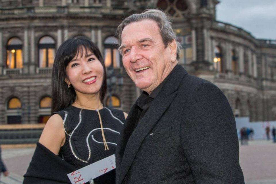 Soyeon Schröder-Kim und Gerhard Schröder