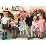 14. April 2021  Dieses Foto teilt die Königsfamilie fünf Tage nach dem Tod von Prinz Philip. Es zeigt den Prinzengemahl und Queen Elizabeth mit sieben ihrer Urenkelkinder. Aufgenommen wurde das Foto 2018 von Herzogin Catherine.