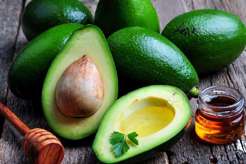 Avocado-Maske: Avocados und Honig