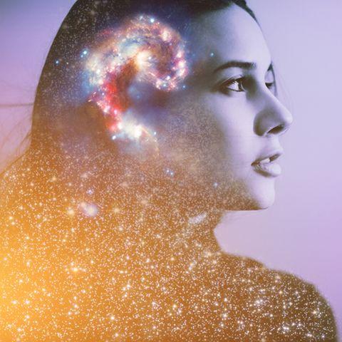 Portaltage: Frau mit Sternenwirbel