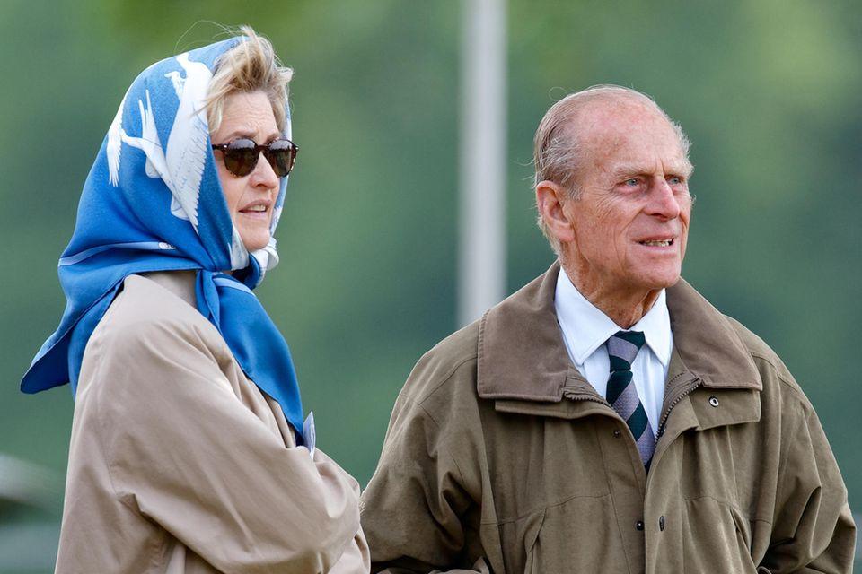 Penelope Meredith Mary Knatchbull, Gräfin Mountbatten von Burma, und Prinz Philip (†)