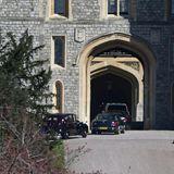 Und auch treffen auf Schloss Windsor schon die ersten Trauergäste ein. Wer in den Autos sitzt ist allerdings noch nicht bekannt.