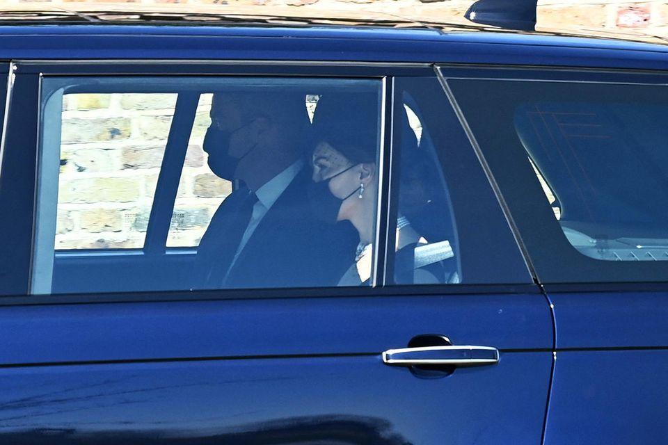 Herzogin Catherine wird mit Prinz William nach Schloss Windsor gefahren.