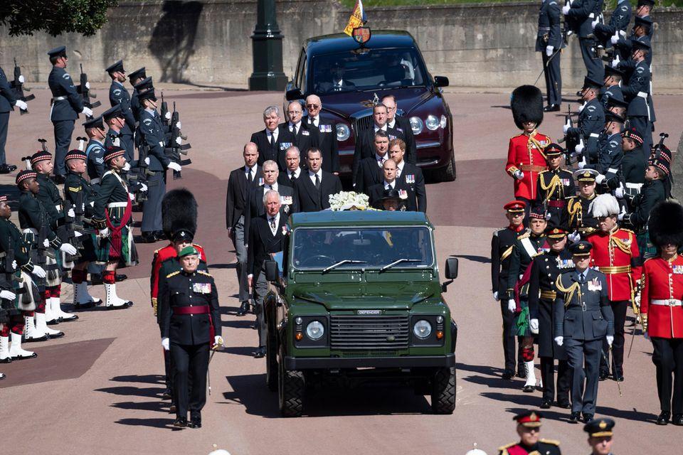 Die Prozession für Prinz Philip hat begonnen.