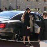 Der Queen folgen auchPrinzessin Beatrice und ihr Mann Edoardo Mapelli Mozzi.