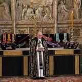 David Conner, der Dekan von Windsor hält seine Ansprache an die Trauernden.
