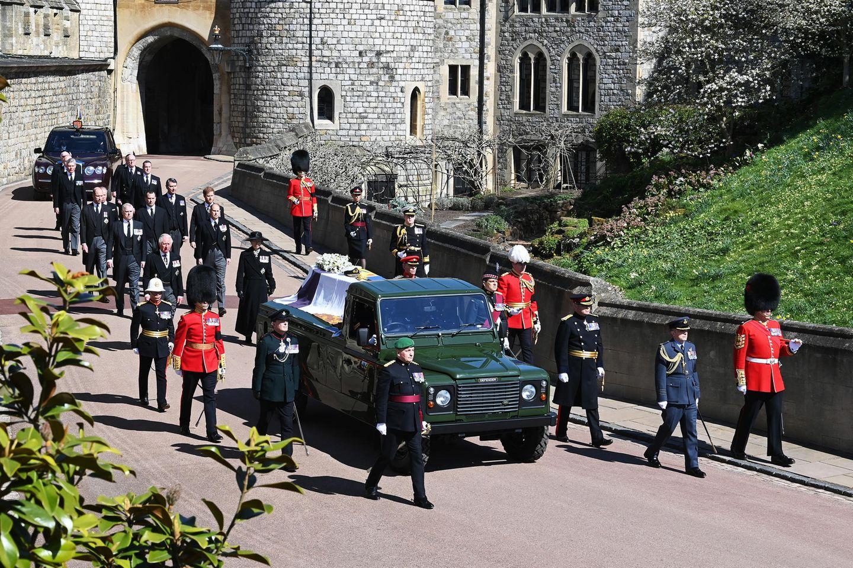 Prinz Philips Sarg auf dem Weg zur St. George's Chapel.