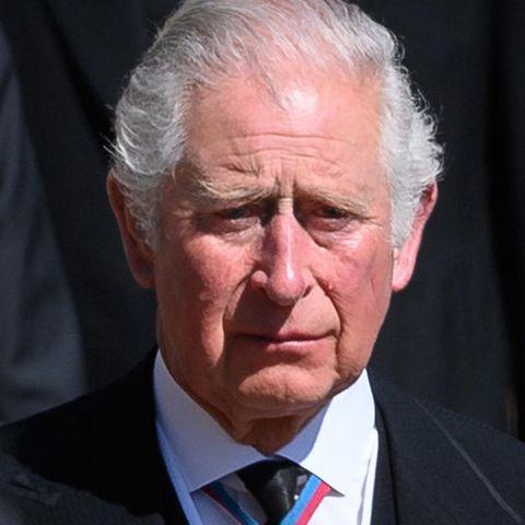 Prinz Charles weint um seinen Vater.