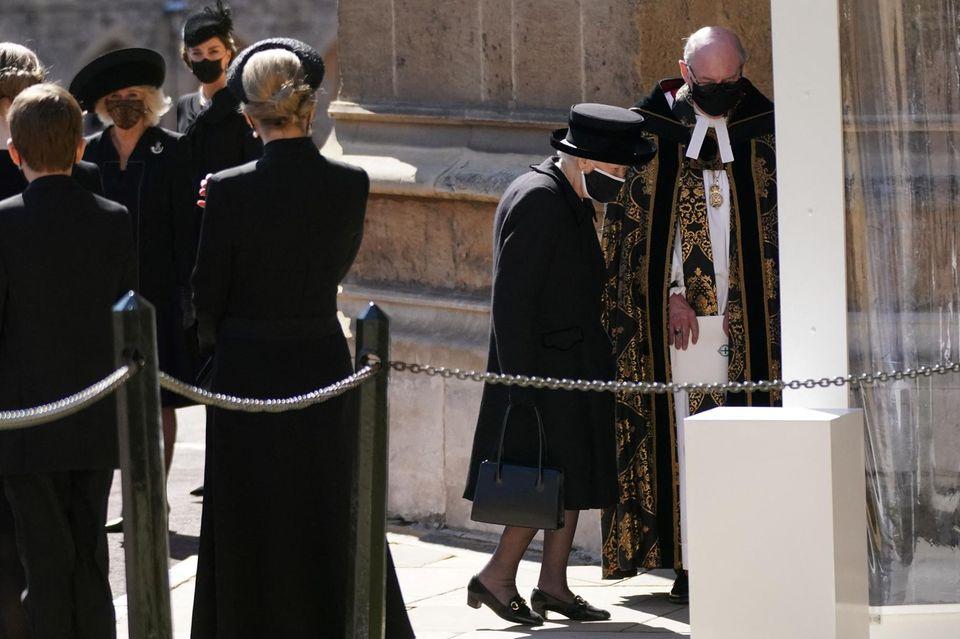 Queen Elizabeth trägt liebevolle Erinnerungen an Prinz Philip bei sich.