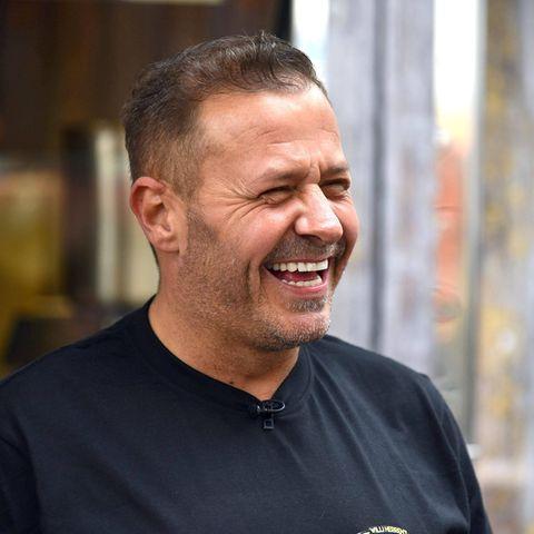 Willi Herren (†45) feierte am Freitag, 16. April 2021, die Eröffnung seines Foodtrucks in Köln.