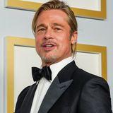 Nicht nur Frauen können für einen tollen Beauty-Moment auf dem Red Carpet sorgen, Brad Pitt begeistert bei den Oscars 2021 mit Man Bun.