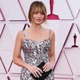 Die Oscars 2021 war die Nacht der Frisuren-Makeover. Margot Robbie überrascht auf dem roten Teppich mit neuem Pony – ein Look, der ihr unheimlich gut steht.