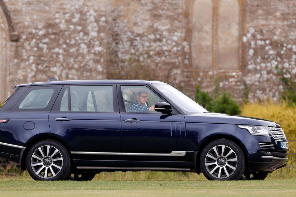 Prinz William genießt als dreifacher Familienvater den Komfort des geräumigen Range Rover L405.