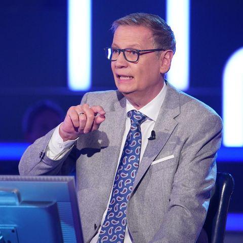 """Günther Jauch plaudert bei """"Wer wird Millionär?"""" private Details aus."""
