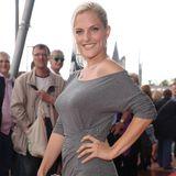 """Bei derMusicalpremiere der """"Rocky Horror Show"""" im Jahr 2011 präsentiert sich Sandy Mölling fit und durchtrainiert auf dem roten Teppich."""