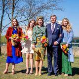 Die Niederländer feiern den Königstag und haben sich in Schale geschmissen. Nicht nur Königin Máxima ziehtin ihrem farbenfrohen Ensemble alle Blicke auf sich, auch ihre Töchter Ariane, Alexia und Amalia (v.l.n.r.) zeigen, dass sie in Sachen Stil viel von der Mama gelernt haben.