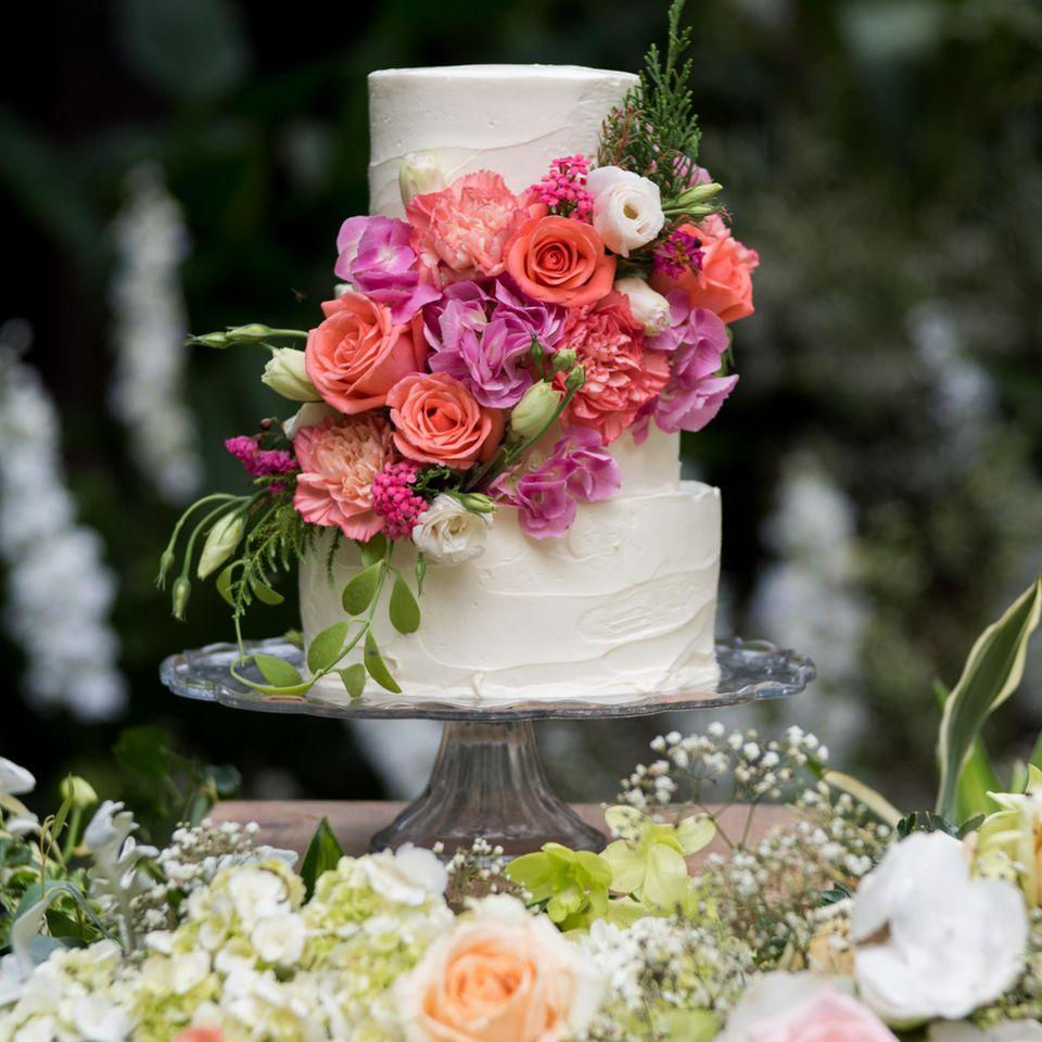 Mehrstöckige Hochzeitstorte