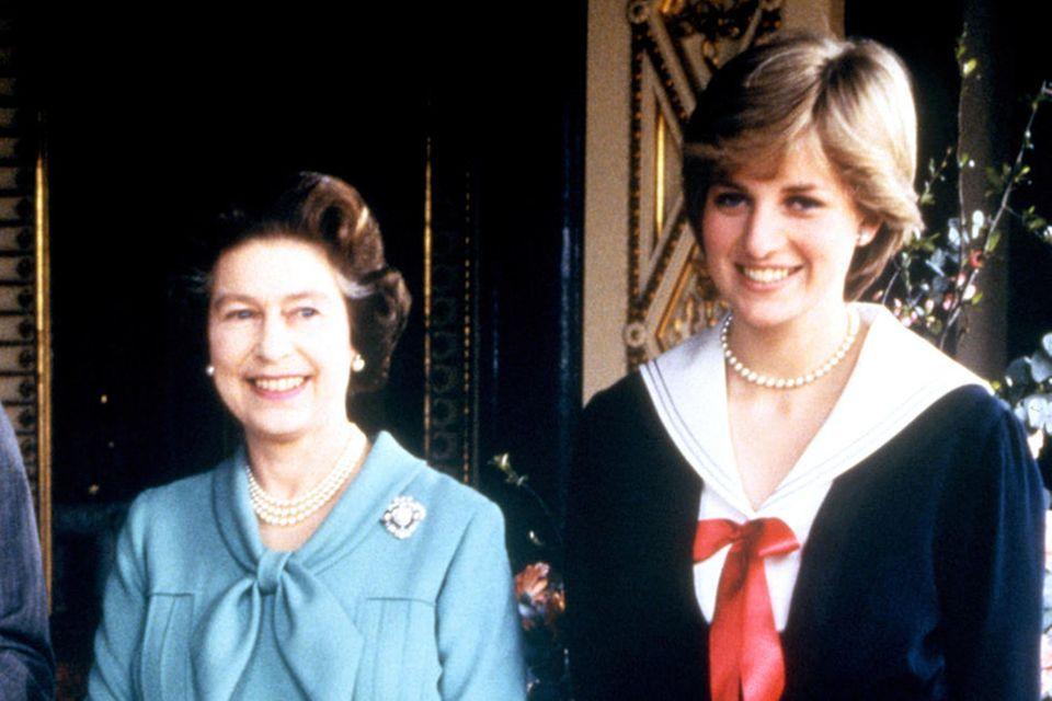 Queen Elizabeth und Prinzessin Diana
