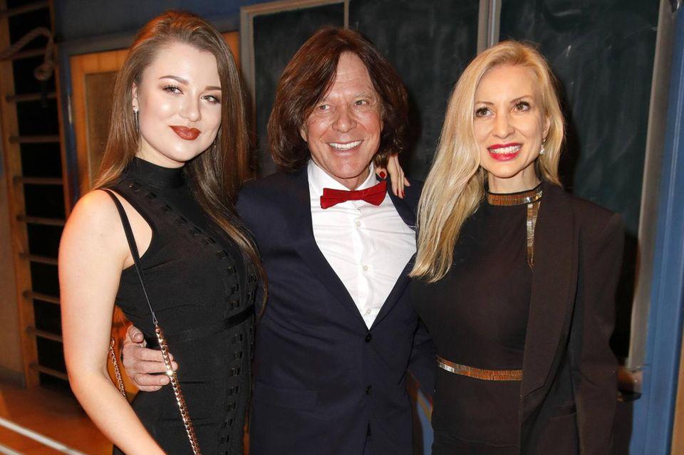 Joelina Drews mit ihren Eltern Jürgen und Ramona Drews