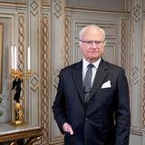 30. April 2021  König Carl Gustaf hätte heute einen guten Grund zu strahlen: Denn der Monarchfeiert seinen 75. Geburtstag. Zu einem Porträt, das das schwedische Königshaus zu diesem Anlass auf Instagram postet, wird außerdem ein besonderer Wunsch in seinem Namen ausgerichtet. Statt Geschenke zu bekommen,würde sich König Carl Gustaf darüber freuen, wenn all diejenigen, die ihm zu seinem Geburtstag eine Freude machen wollen, eine kleine Spende an die schwedischen Stadtmissionen entrichten. Bedürftige sollen so Unterstützung erhalten, wie esin dem Beitrag weiter heißt.