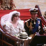 """Auch wenn Diana im Palast Zugang zu den kostbarsten Juwelen hatte: Sie trug gerne die florale Tiara ihrer Familie. Die """"Spencer Tiara"""" wurde 1936 angefertigt und innerhalb Dianas Familie weitervererbt, sodass NichteCelia McCorquodale sie erst kürzlich bei ihrer Hochzeit trug."""