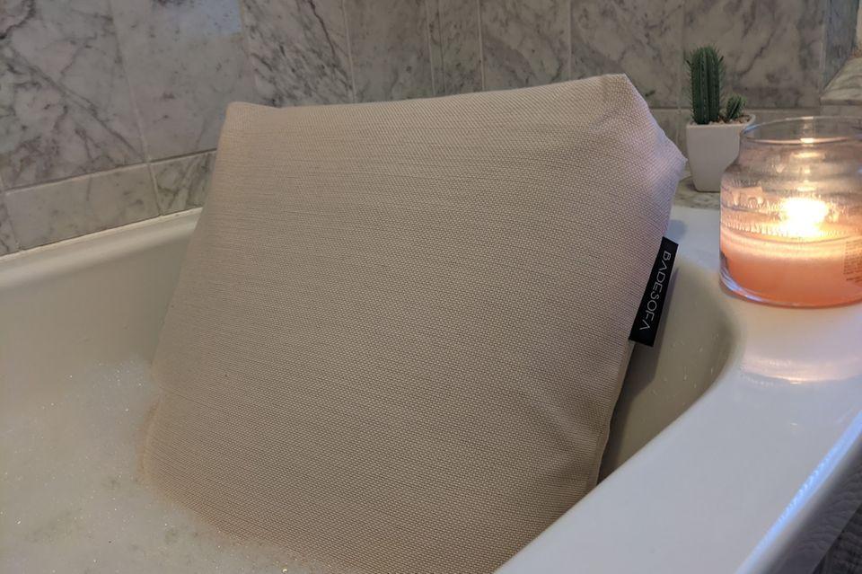 So gemütlich kann ich es mir mit dem Badesofa jetzt immer machen.
