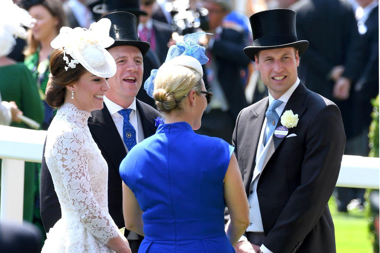 Herzogin Catherine, Mike und Zara Tindall sowie Prinz William verstehen sich prächtig – und das gilt auch für ihre Kinder.