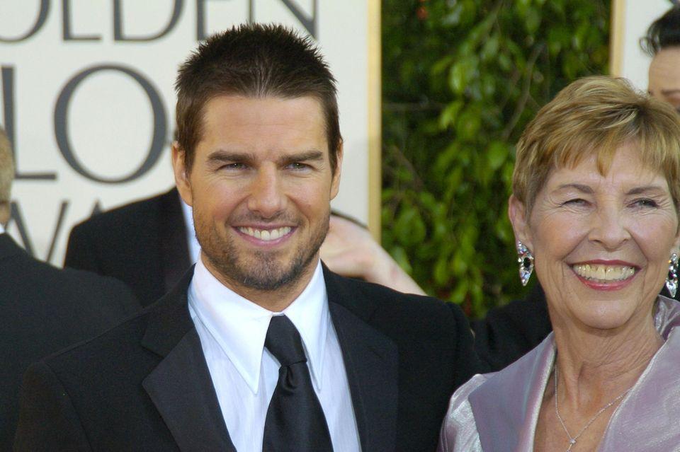 Tom Cruise mit seinerMutterMary Lee Mapothe bei den Golden Globes