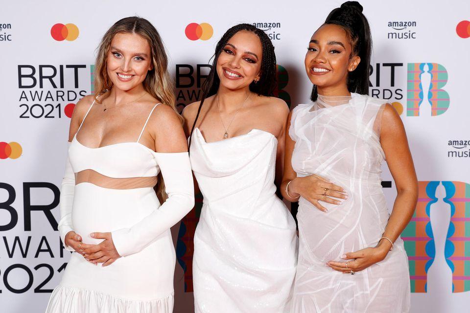 Little Mix auf dem Red Carpet der Brit Awards 2021.