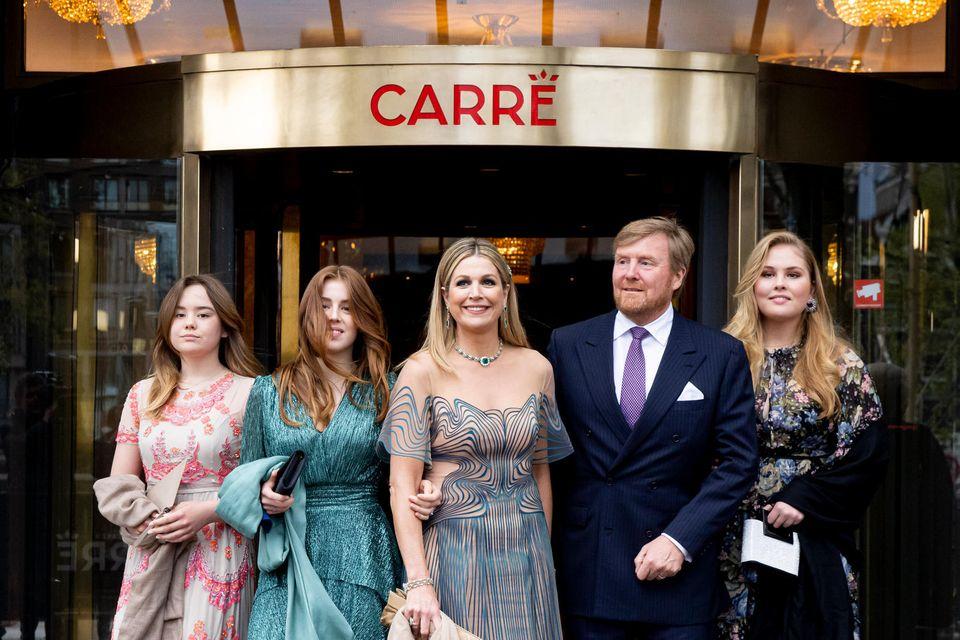 Und weil sie einfach so schön ansehen zu sind, hier zum Abschluss noch mal ein Familienfoto der Royals.