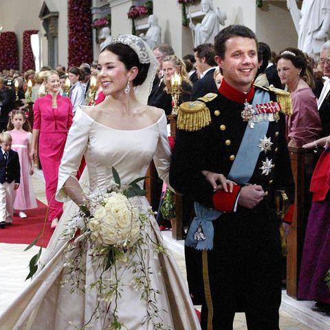 Royale Brautkleider: So schön strahlte Prinzessin Mary bei ihrer Hochzeit.