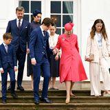 Es ist vollbracht: Kurz nach der Konfirmation von Prinz Christian wird die dänische Königsfamilie auf dem Weg zu den privaten Feierlichkeiten auf Schloss Fredensborg abgelichtet.