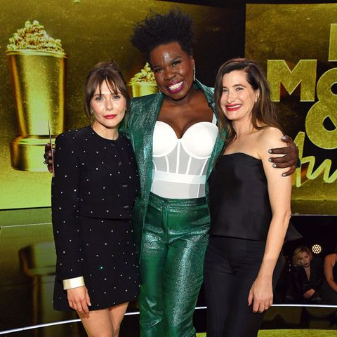 Die besten Looks der MTV Movie & TV Awards mit Elizabeth Olsen, Leslie Jones, Kathryn Hahn und Co.