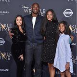 Basketball-Star Kobe Bryant (†41) und seine Frau Vanessa (links) haben vier Töchter;Gianna (†13), Natalia (2.v.r.), Capri und Bianka (beide nicht im Bild). Seine Mädels waren Kobes ganzer Stolz. Klar, dass er sie auch mit auf den roten Teppich genommen hat, so wie hier im Jahr 2018.