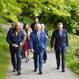 Abschließend lässt sich Prinz Charles von Darren Rice durch denSlieve Gullion Forest Park führen. DerPark ist neben seiner Wanderwege dafür bekannt, viele Aktivitäten und kreative Projekte für Kinder anzubieten.